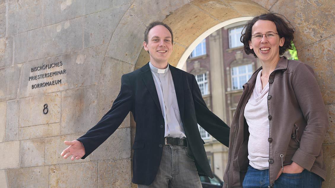 Subregens Fabian Tilling und Ruth Kubina