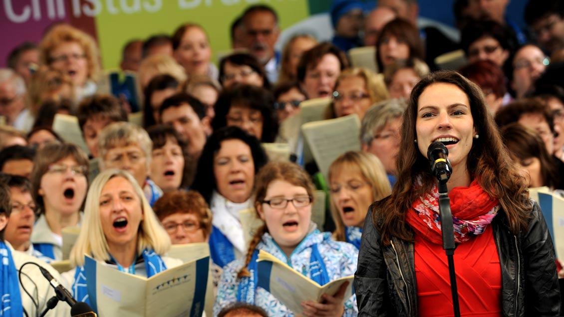 Kirchenchöre und -musiker müssen für Musik-Ausführungen künftig nicht mehr selbst zahlen.