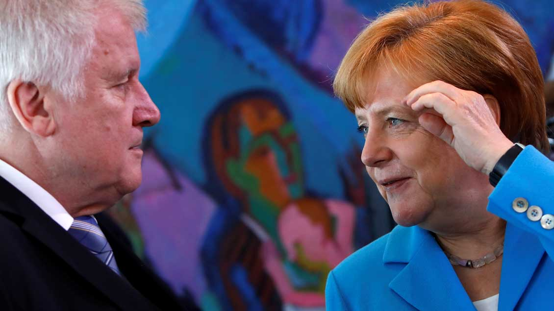 Seehofer gegen Merkel Foto: Michele Tantussi (Reuters)
