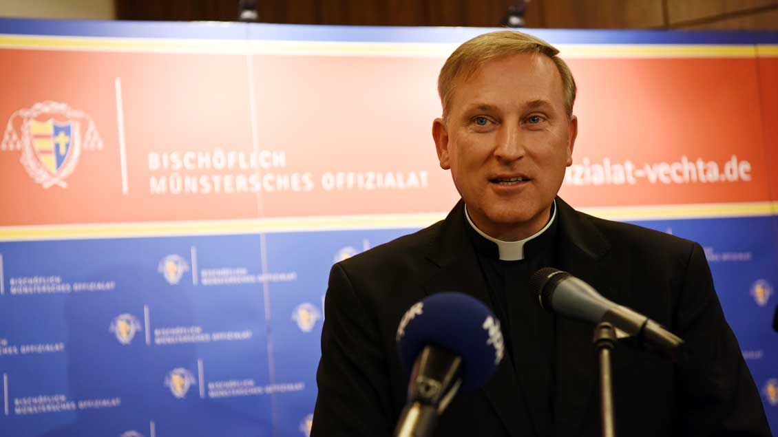 Sehr zufrieden mit Daten für den Offizialatsbezirk Oldenburg ist Weihbischof Wilfried Theising.
