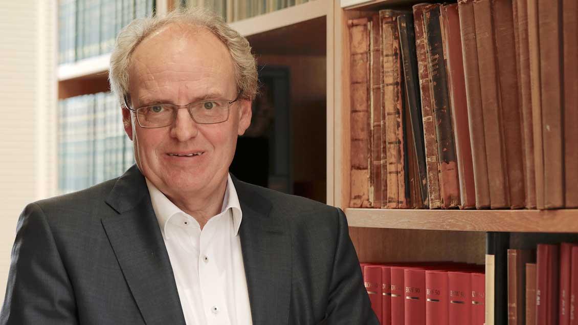 Der münstersche Kirchenhistoriker Hubert Wolf hat in der ZDF-Dokumentation mitgewirkt. Foto: ZDF/Ralf Gemmecke