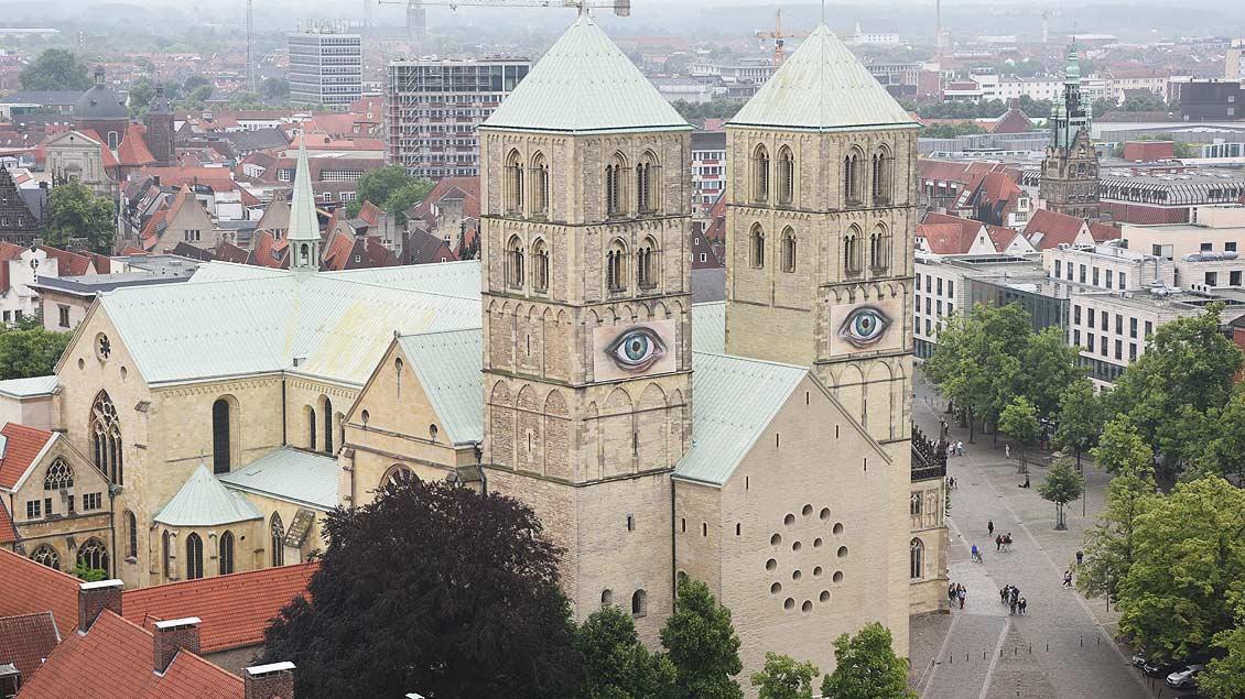 Augen am St.-Paulus-Dom
