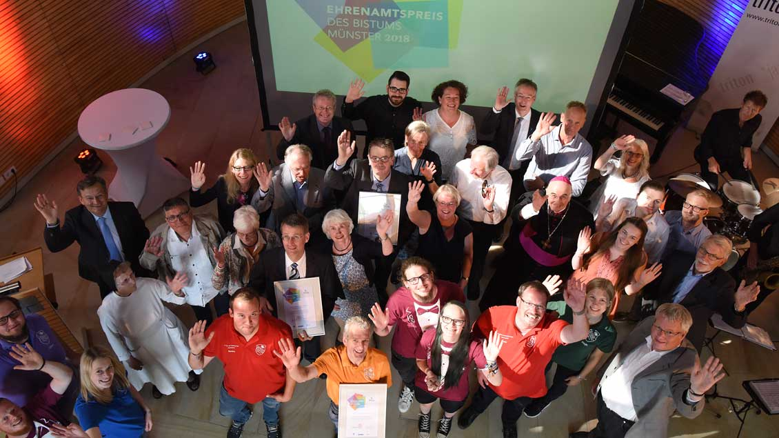 """Ihren Ehrenamtspreises 2018 nahmen die """"ausgezeichneten"""" Engagierten am Sonntag in Münster entgegen."""