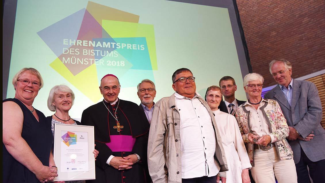 """Den mit 3000 Euro dotierten zweiten Preis bekam die Initiativgruppe """"Sonntagsgottesdienste im Klinikum Ibbenbüren""""."""
