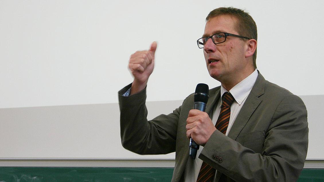 Kirchenrechtler Thomas Schüller