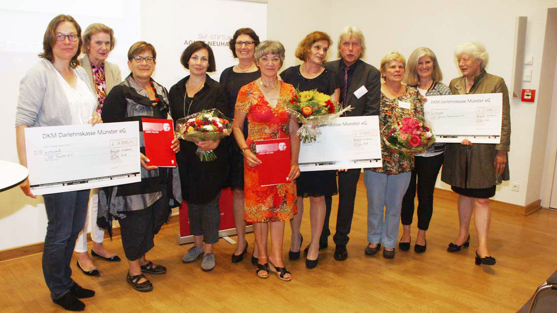 """Die Preisträger des Preises der SkF-Stiftung """"Agnes Neuhaus""""."""