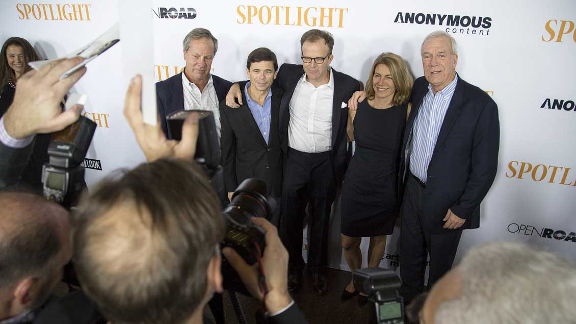 Von links nach rechts: Ben Bradlee, Mike Rezendes, Thomas McCarthy, Sacha Pfeiffer und Walter Robinson.