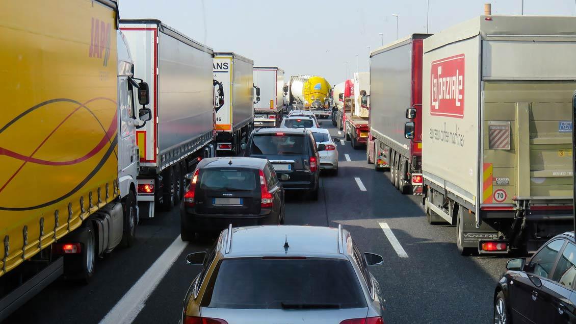 Einfach mal eine Pause machen: Am Tag der Autobahnkirchen finden an allen 44 Standorten deutschlandweit Andachten statt.