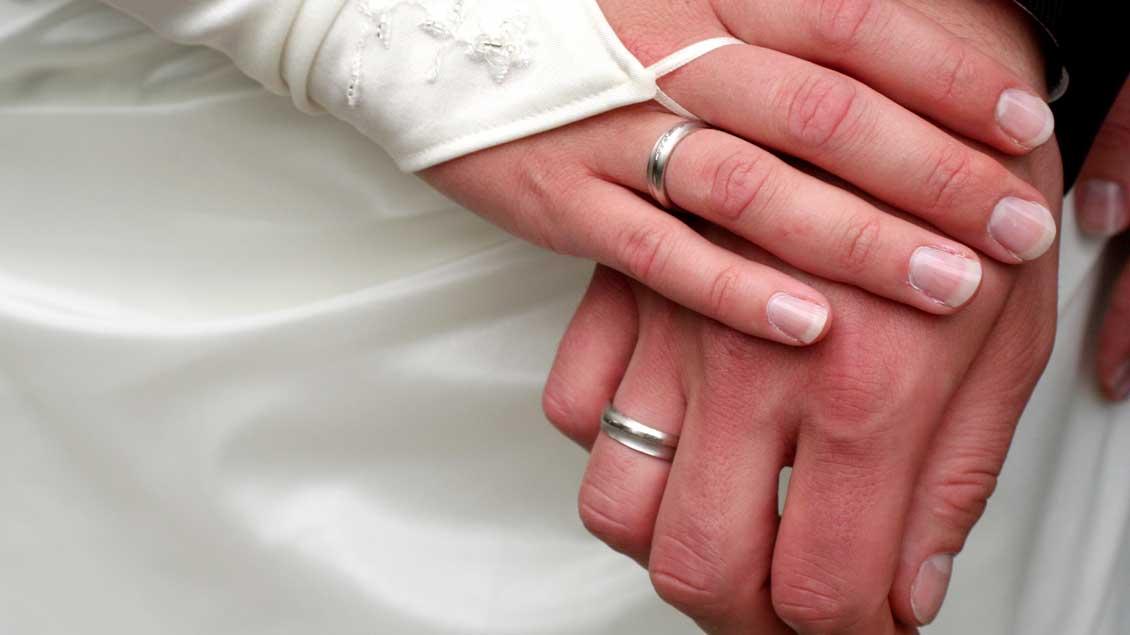 Ehe Symbolfoto: Norbert Ortmanns