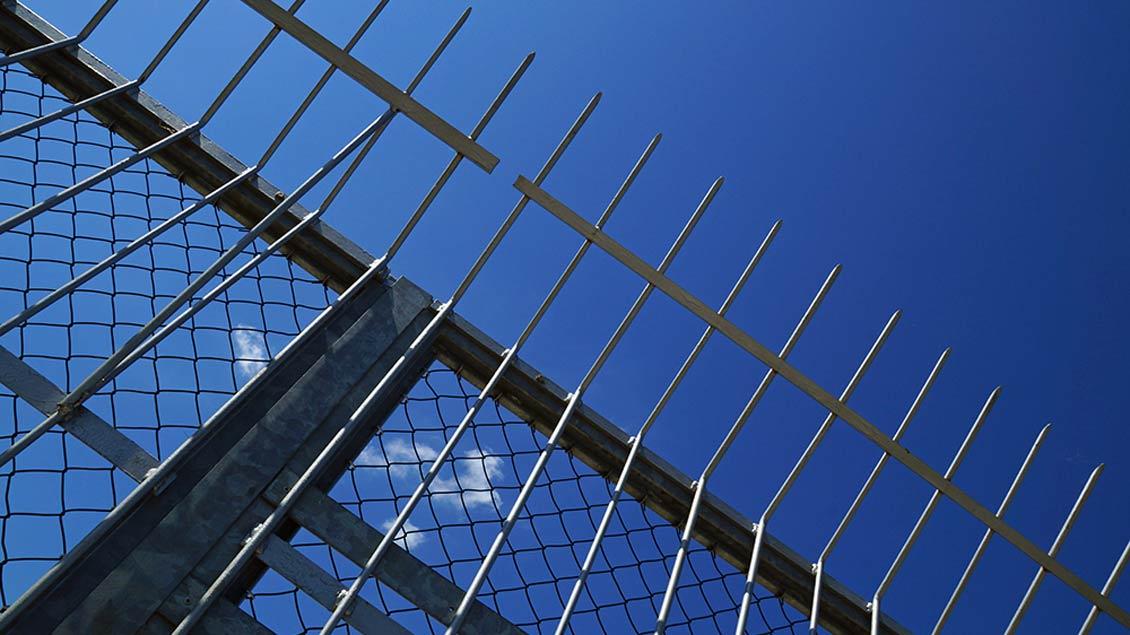 Ein unüberwindbarer Zaun? Foto: lichtkunst.73/pixelio.de