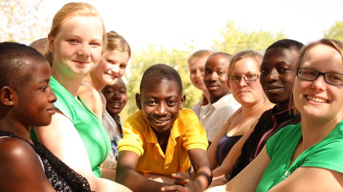 Freiwillige bei ihrem Dienst im Ausland.