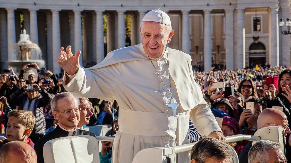 Papst trifft Protestantenführerin Foto: Christof Haverkamp