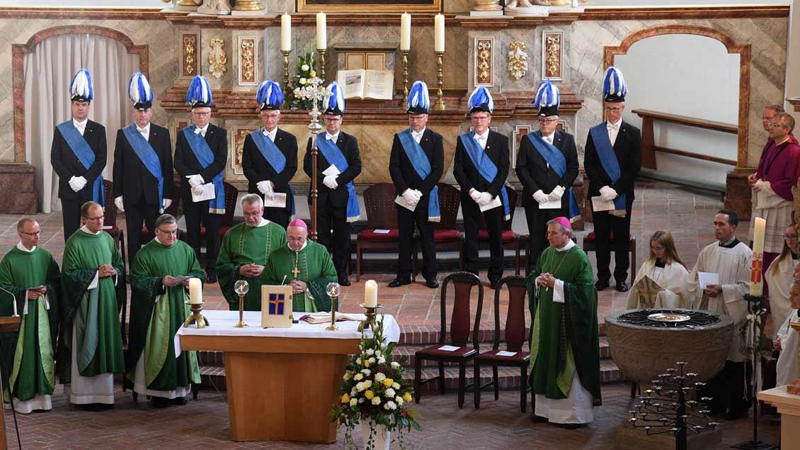 Den Auftakt des 350-jährigen Jubiläums feierte Bischof Felix Genn und das Bischöflich Münstersche Offizialat in der Klosterkirche Vechta mit einem Gottesdienst.