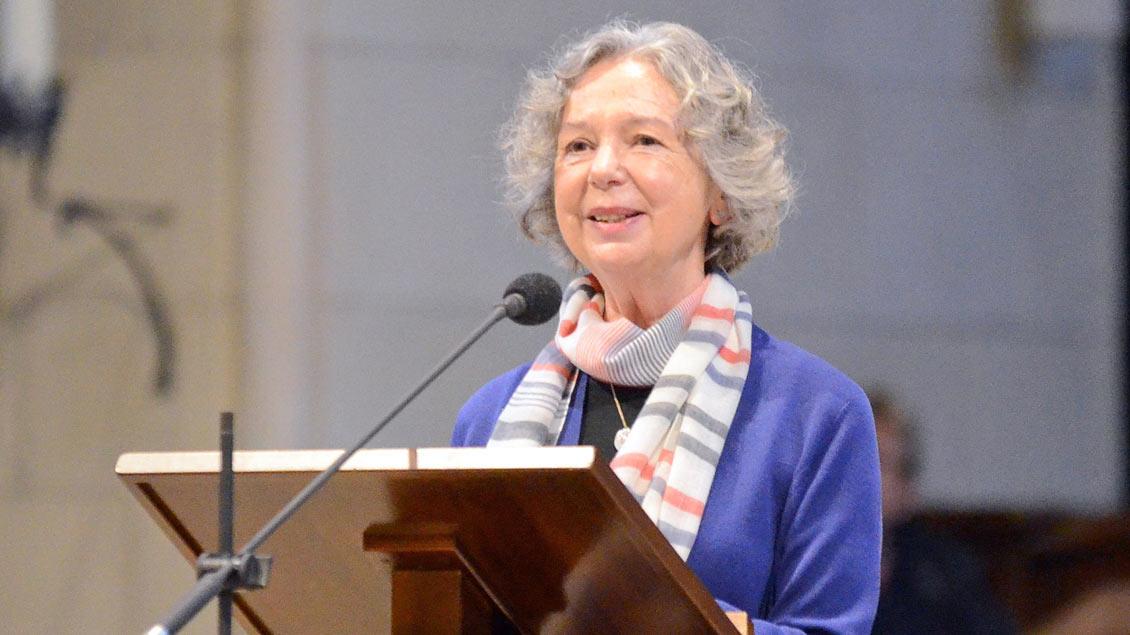 """Ulla Hahn, eine der wichtigsten Lyrikerinnen der Gegenwart, bei ihren """"DomGedanken"""" in Münsters Kathedrale."""