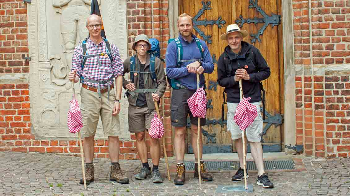 (von links) Uwe Kathmann, Thomas Sander, Christian Feldschnieders und Ulf Thamer aus einem Kolping-Familienkreis in Vechta: fünf Tage von Schillig nach Vechta.