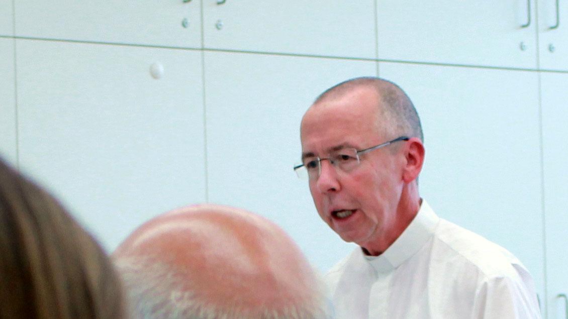 Pfarrer Peter Kossen sprach zum Thema Arbeitsmigration in Lengerich.