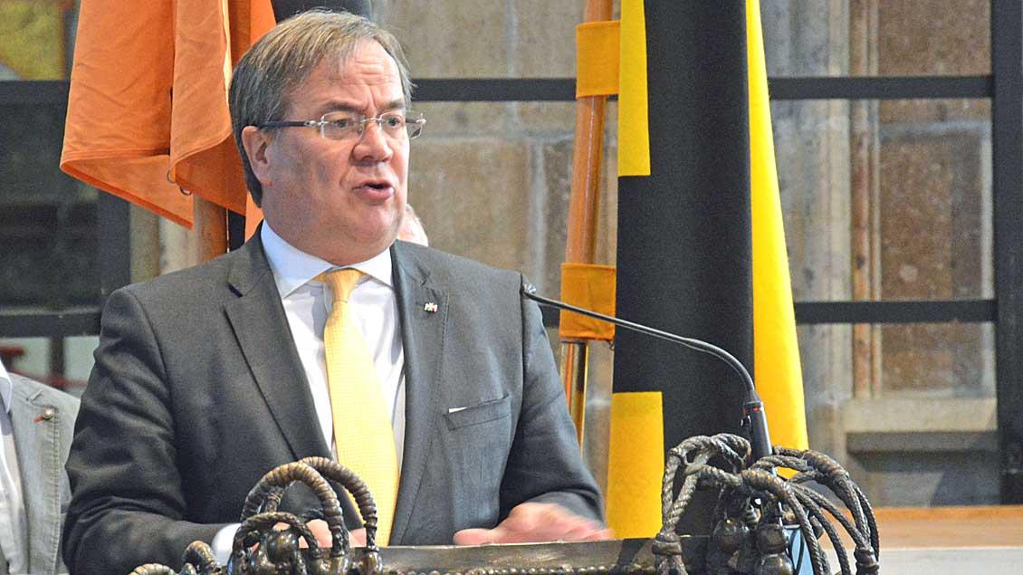 Ministerpräsident Armin Laschet im Xantener Dom. Foto: Christian Breuer (Bischöfliche Pressestelle)