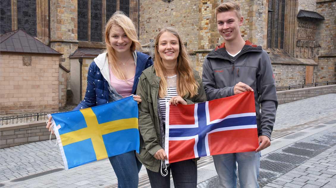 Johanna Cramer, Lenja Bockermann und Hannes Gödde (v.l.) aus dem Bistum Münster absolvieren ihre Praktika des Bonifatiuswerkes in Schweden und Norwegen.