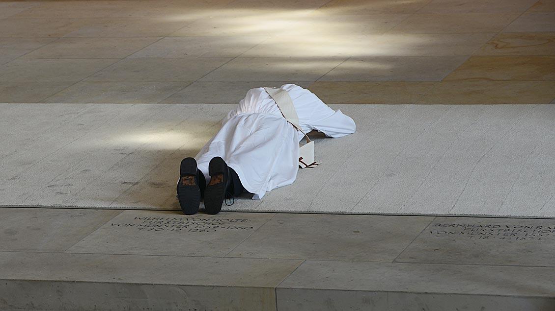 Priester der katholischen Kirche sind in der Regel zu einem ehelosen Leben verpflichtet: sie leben im Zölibat. Der Australische Priesterrat spricht sich dagegen aus.