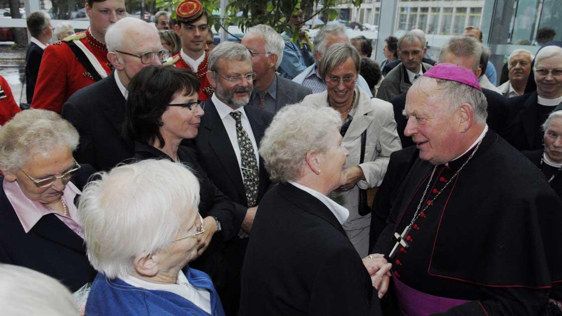 Unter den Leuten - da fühlte sich Weihbischof Friedrich Ostermann am wohlsten.