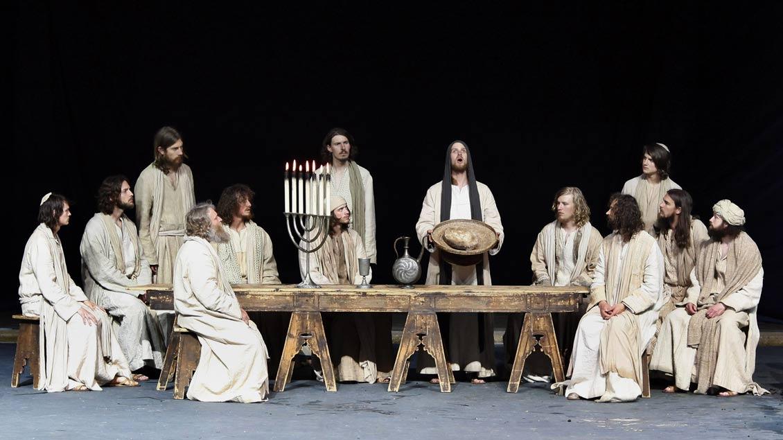 Szene aus den Oberammergauer Passionsspielen von 2010 mit Frederik Mayer als Jesus. Auch die nächste Inszenierung 2020 wird Regisseur Christian Stückl verantworten.