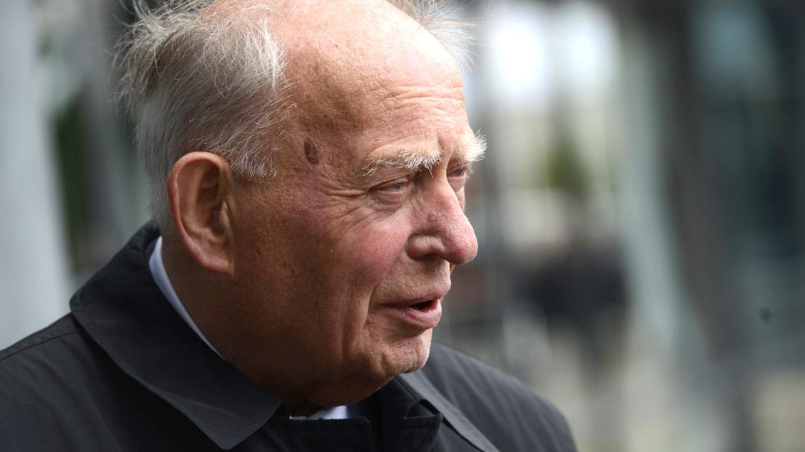 Friedrich Ostermann (+) war von 1981 bis zu seiner Emertierung 2007 Weihbischof für die Region Münster-Warendorf. Archiv-Foto: Michael Bönte