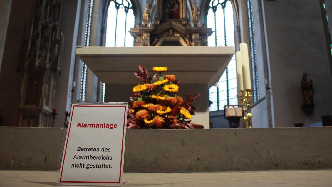 Die Alarmanlage gibt es schon seit 1987 in der Kirche St. Peter in Recklinghausen. Trotz aller Ärgernisse - die Kirche bleibt für alle Menschen offen.