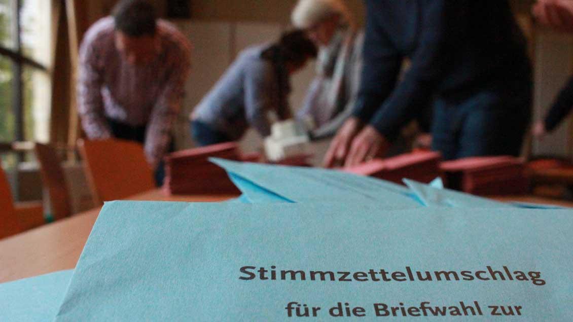 Auszählung von Wahlbriefen.