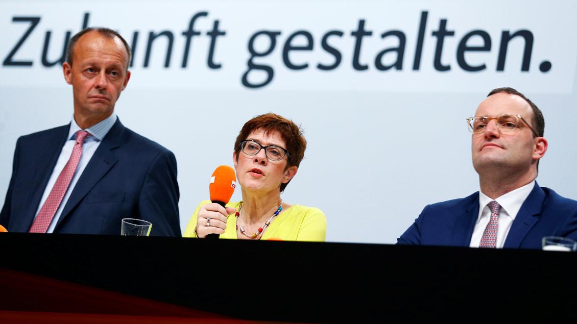 Wer kommt an die CDU-Spitze? Friedrich Merz (62), Annegret Kramp-Karrenbauer (56) oder Jens Spahn (38) (von links).