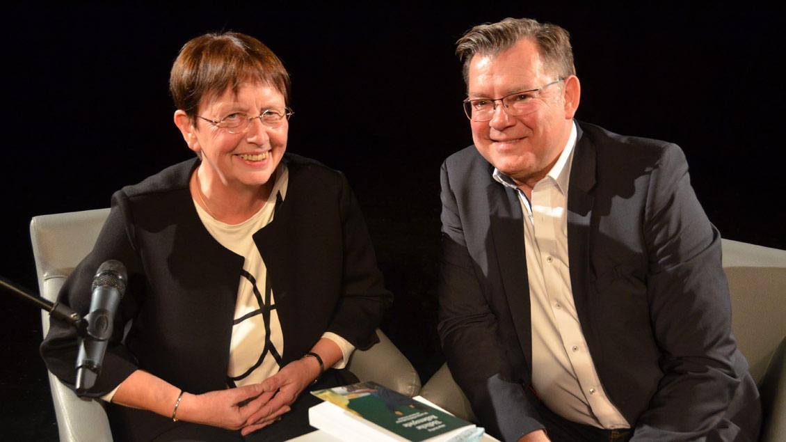 Erfolgs-Autorin Helga Streffing im Gespräch mit ihrem Lektor Markus Nolte. Foto: Marianne Sasse