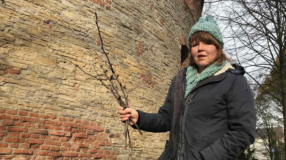 Was hat es mit der heiligen Barbara im Turm und den Barbarazweigen auf sich? Das erklärt Redakteurin Marie-Theres Himstedt im Video.