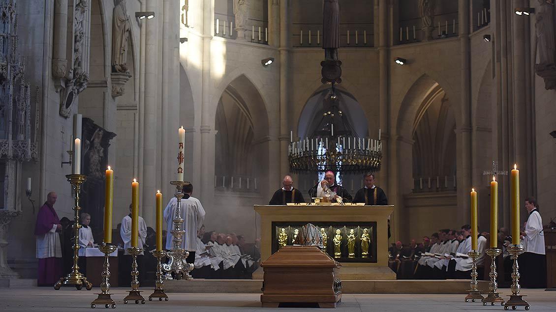 Requiem für den verstorbenen Weihbischof Friedrich Ostermann. | Foto: Michael Bönte