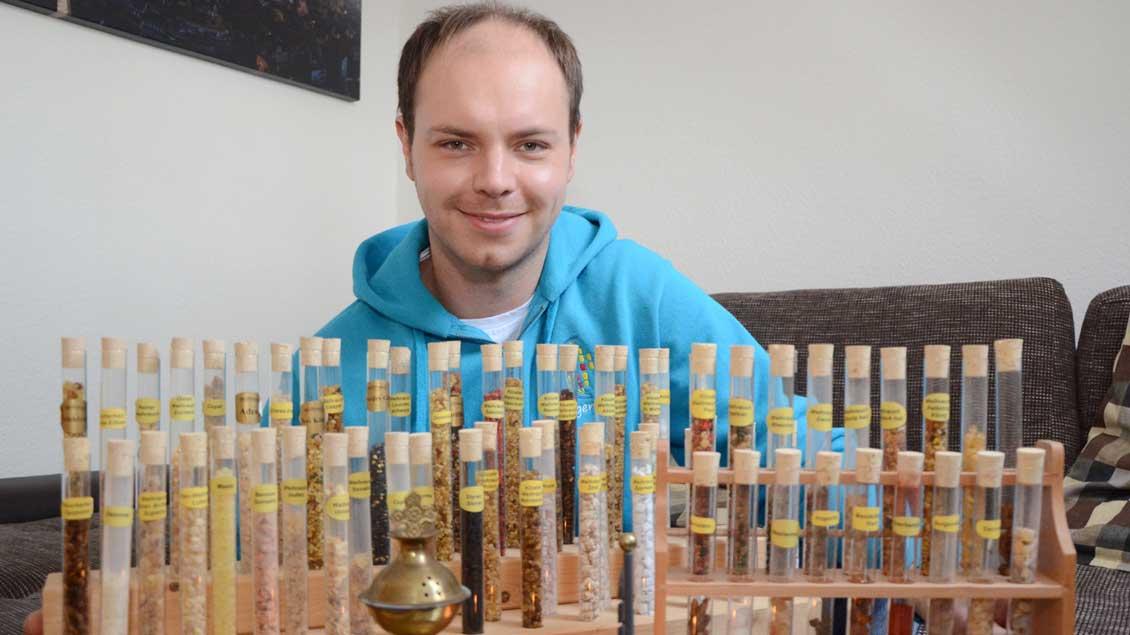 Benedikt Rottmann mit einem Teil seiner Sammlung.