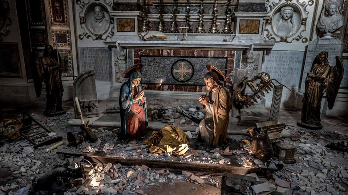 Die weihnachtliche Idylle täuscht: In diesem Bild der heiligen Familie fehlt das Jesuskind - ganz so, wie er im Sonntags-Evangelium als Zwölfjähriger seiner Familien abhanden kommt.