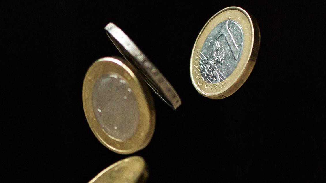 Wer bekommt wieviel Geld? Das Bistum Münster hat jetzt seinen Haushalt verabschiedet. Der Überschuss beträgt 18,9 Millionen Euro und wird für schlechtere Zeiten zurück gelegt.