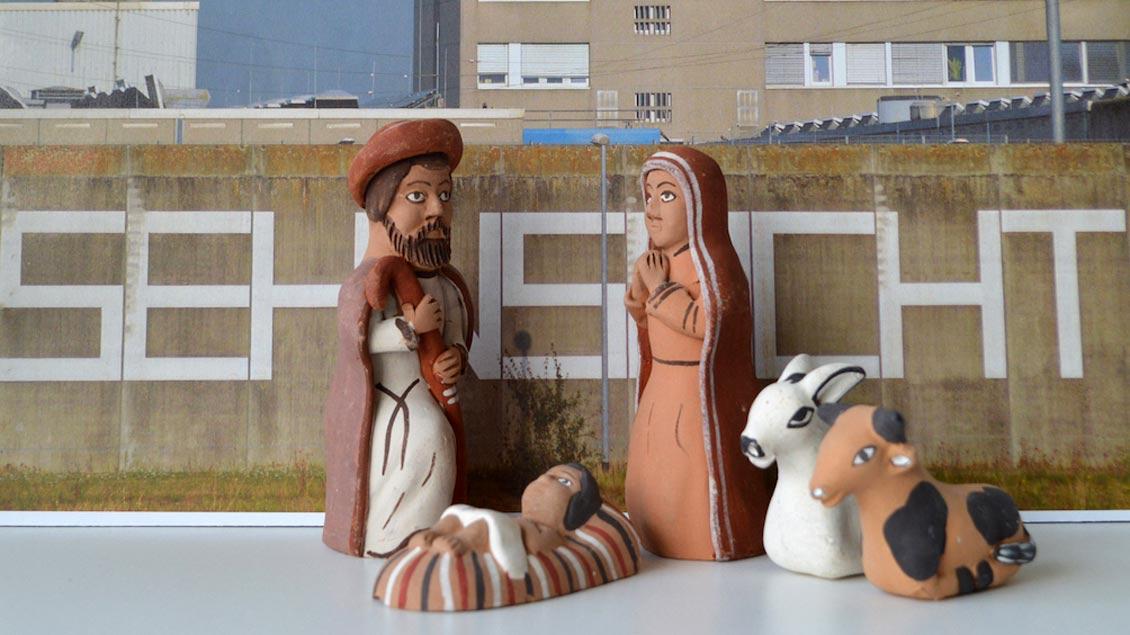 Die Heilige Familie vor der Gefängnismauer in Geldern-Pont.