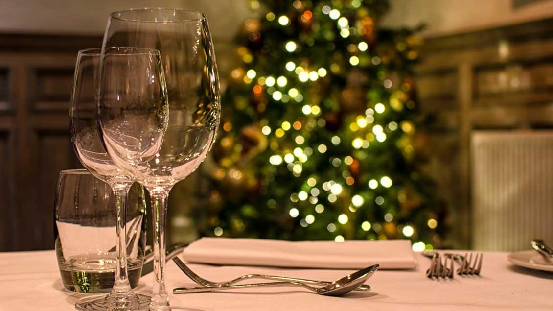 Ob schlicht oder edel, fleischlich oder vegetarisch - was an Weihnachten auf den Tisch kommt, hat in den meisten Familien Tradition.
