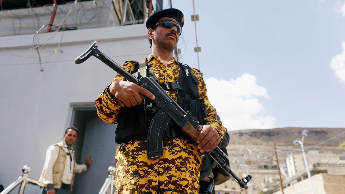 Waffen Foto: Khaled Abdullah (Reuters)