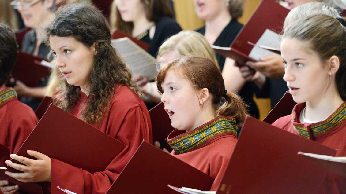Der Mädchenchor gestaltet das Weihnachtskonzert der Dommusik. Archivfoto: Michael Bönte