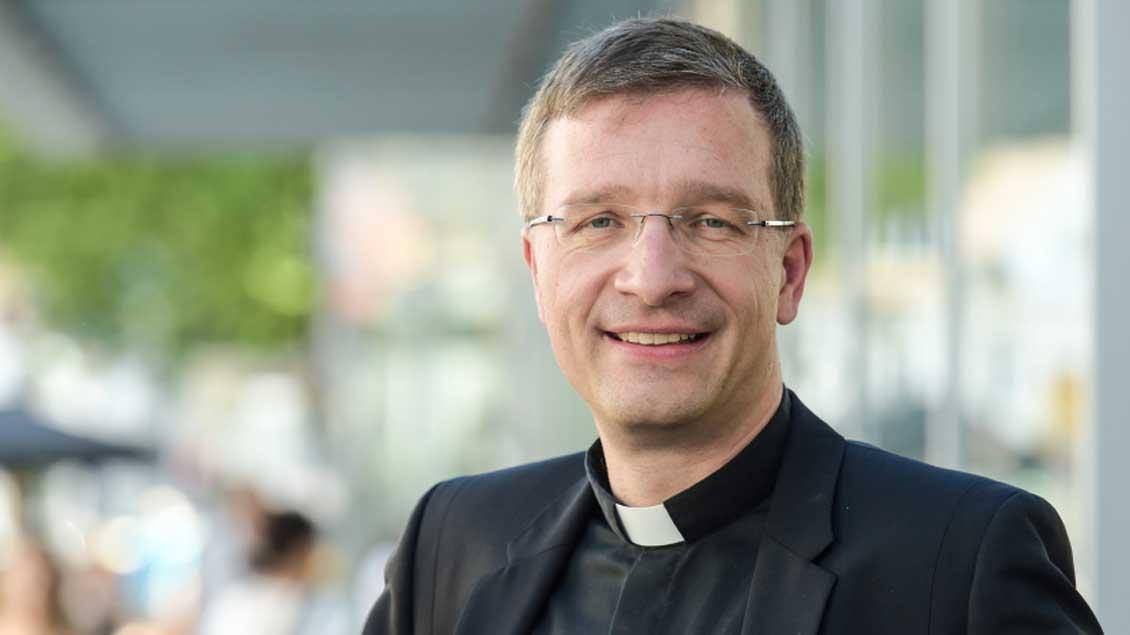 Weihbischof Michael Gerber.