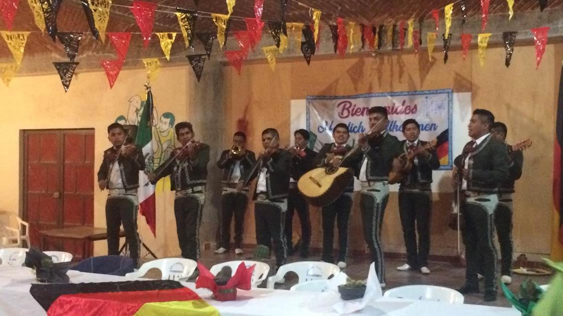 Tolle musikalische Begrüßung der deutschen Pilger in Cordonal.