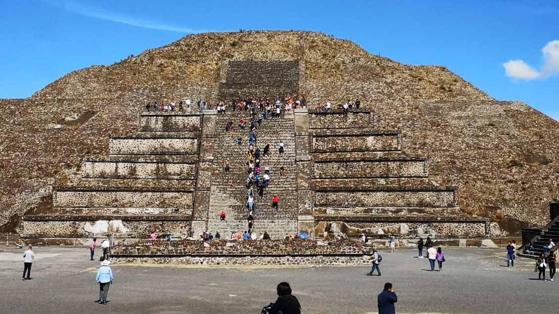 Besuch der Pyramiden von Theoticuan, kurz Sonnenpyramide.