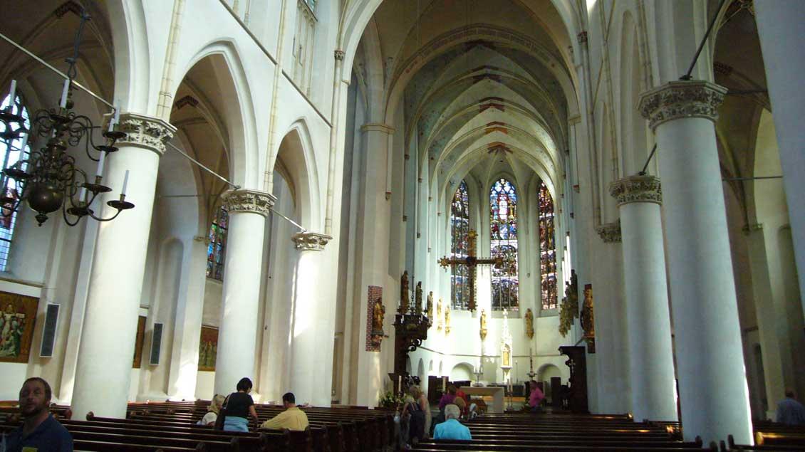 Blick in die Katharinen-Kathedrale von Utrecht, die womöglich aus finanziellen Gründen in ein Museum umgewandelt werden so