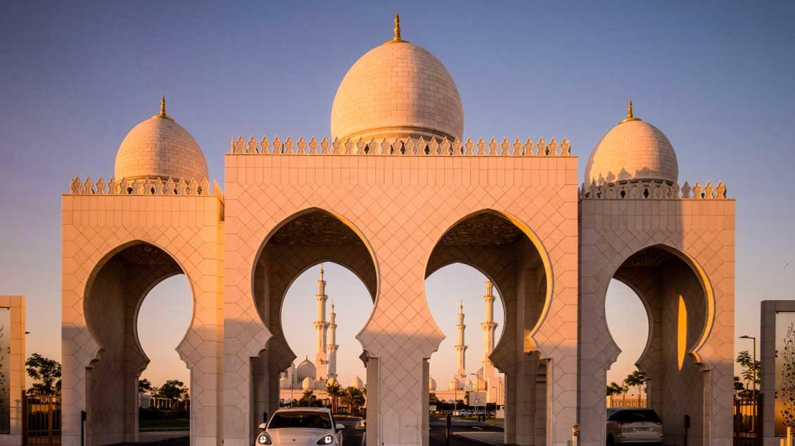 Die Scheich-Zayid-Moschee in Abu Dhabi.