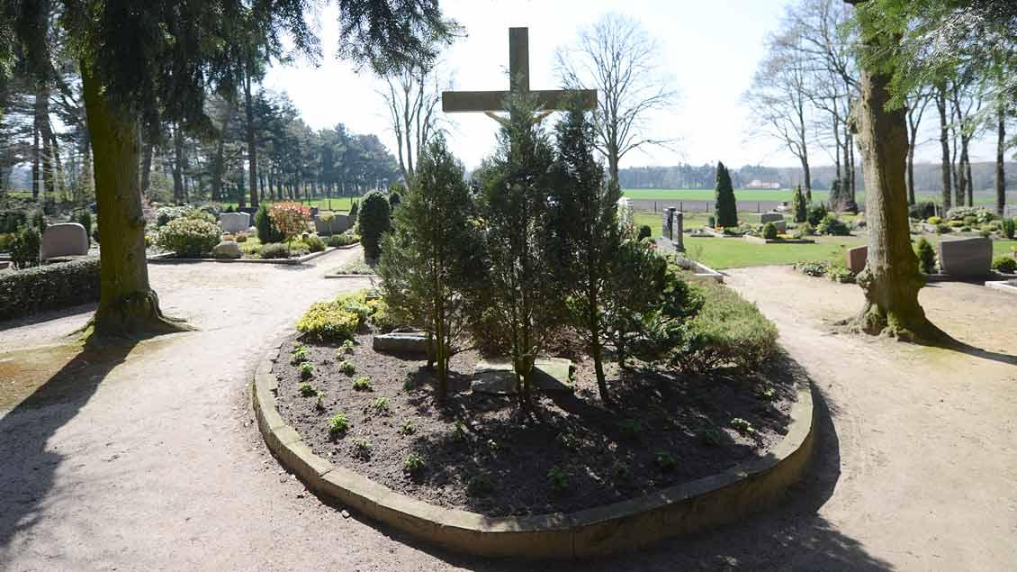 Blick vom Eingangstor auf den Friedhof in Coesfeld-Stevede.