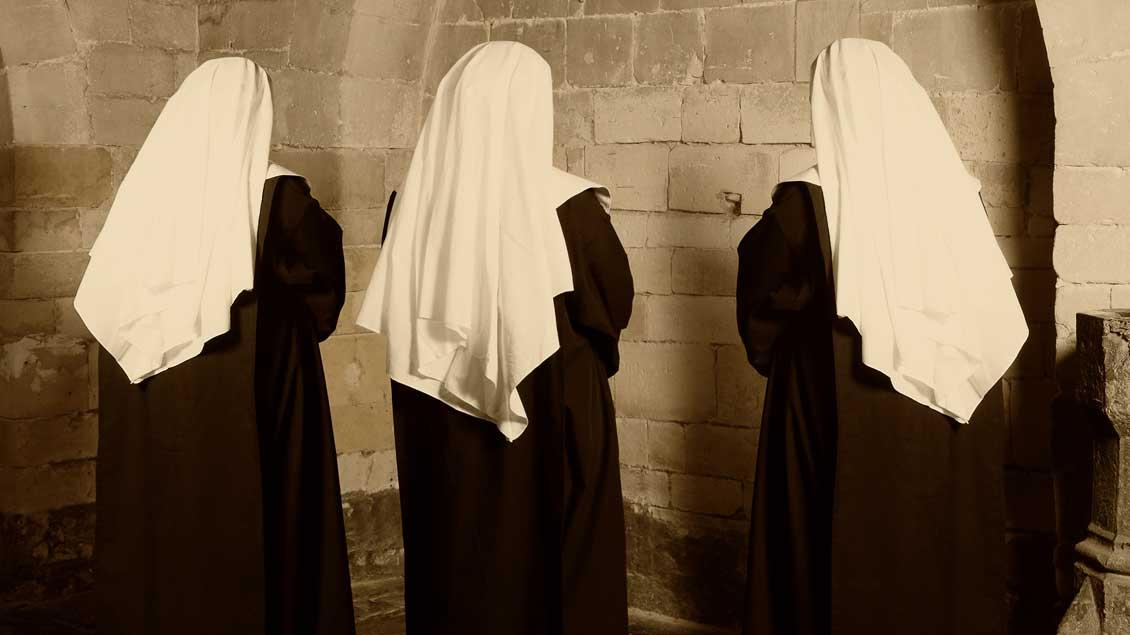 Ordensfrauen.