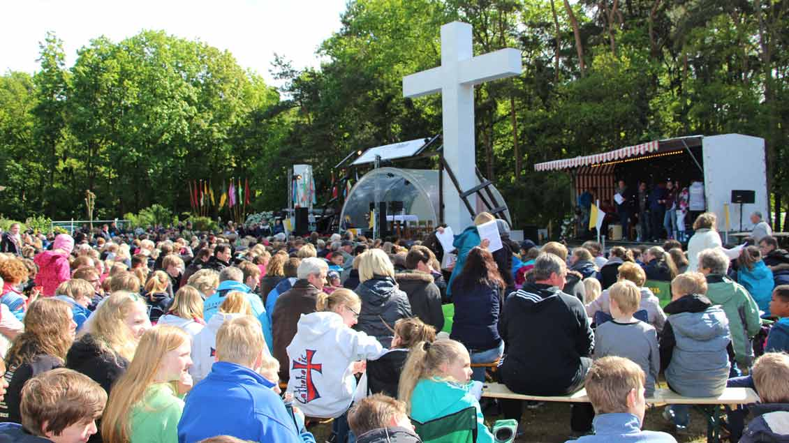 Zahlreiche Jugendliche nahmen an den Angeboten der Salesianer in Calhorn teil - etwa beimk Pfingstfestival.