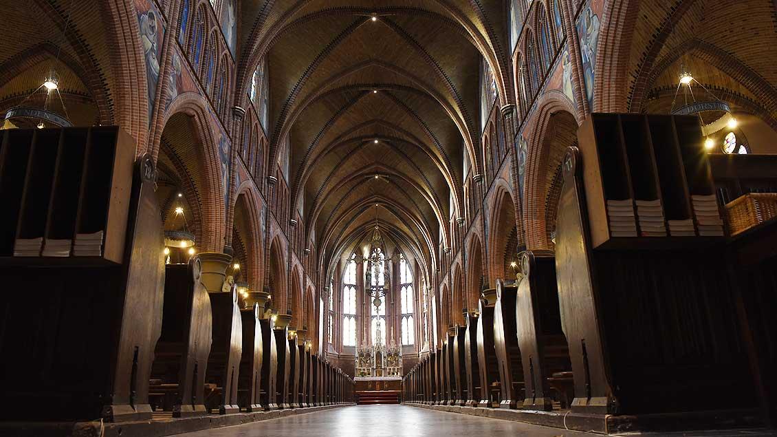 Blick in das neugotische Gewölbe von Sint Jozef. | Foto: Michael Bönte
