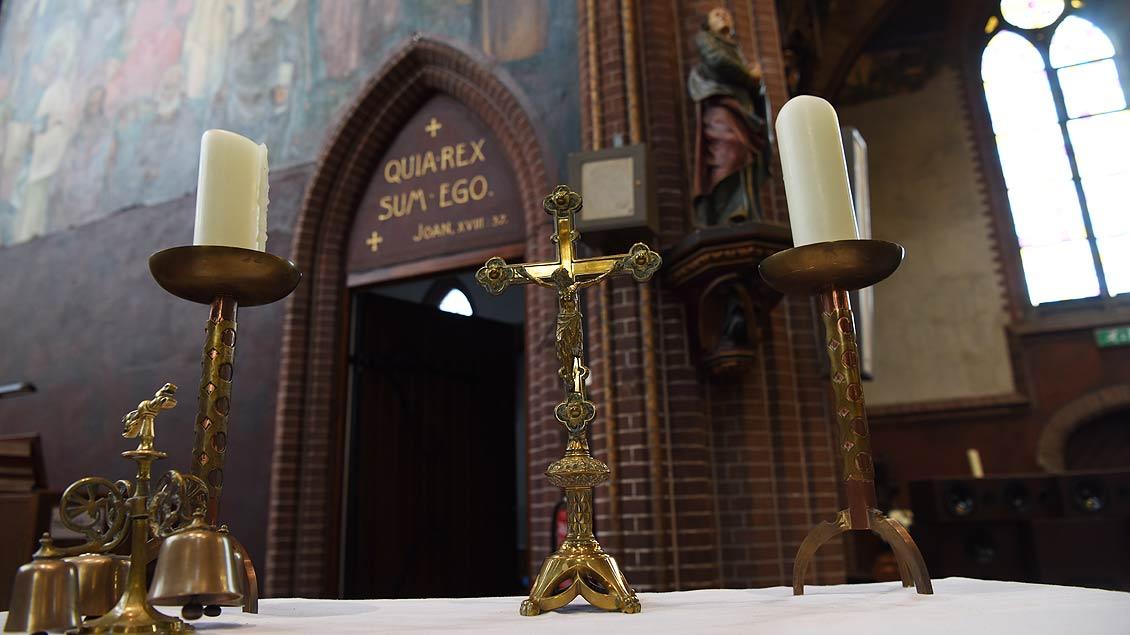 Um den Altar werden immer noch regelmäßig Gottesdienste gefeiert. | Foto: Michael Bönte