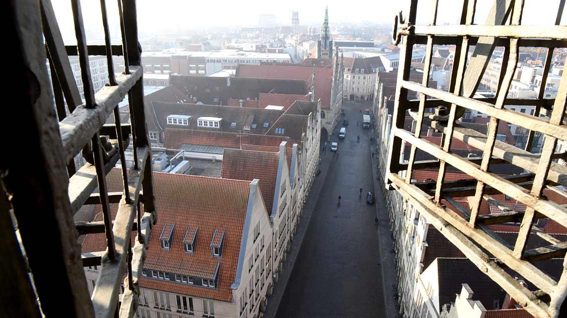 Blick vom Turm der Lambertikirche auf den Prinzipalmarkt in Münster. Foto: Michael Bönte